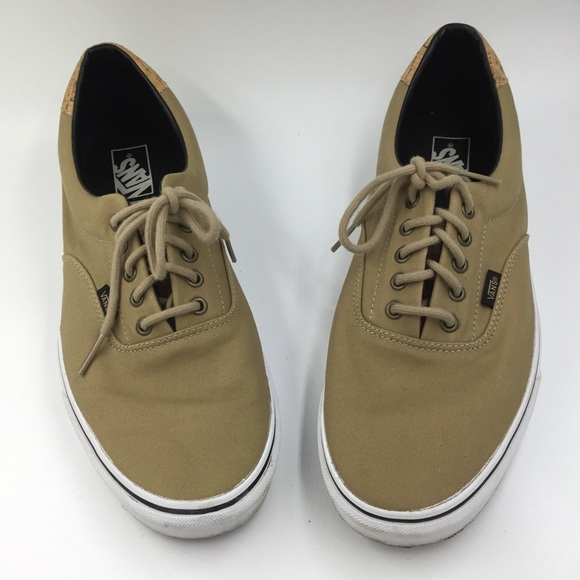 f9bbf474700a Vans tan skateboard boat shoes lace up. M 5ba6ffda0cb5aa663f98ddab